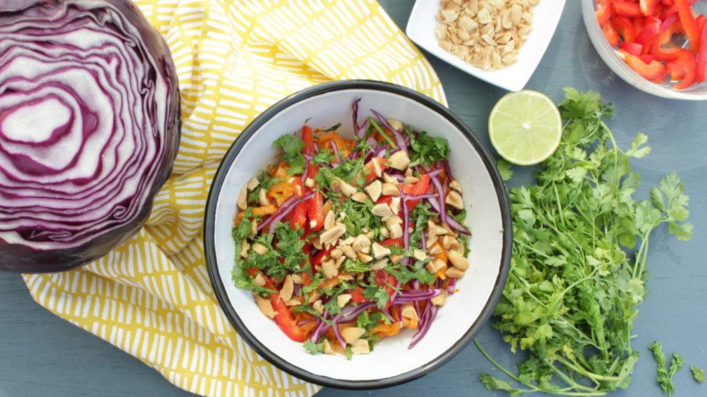 Salade de nouilles de riz et sauce épicée