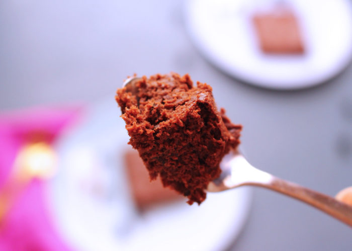 cuillère de fondant au chocolat et à la courgette